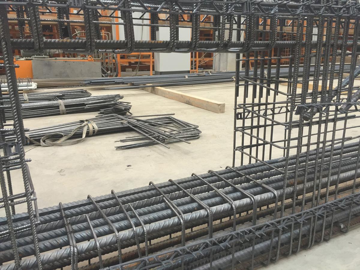 Betonstahlarmierung, Bewehrungsbau, Baustahlarmierung von Betonstahl Halle GmbH, im Werk und auf Außenbaustellen