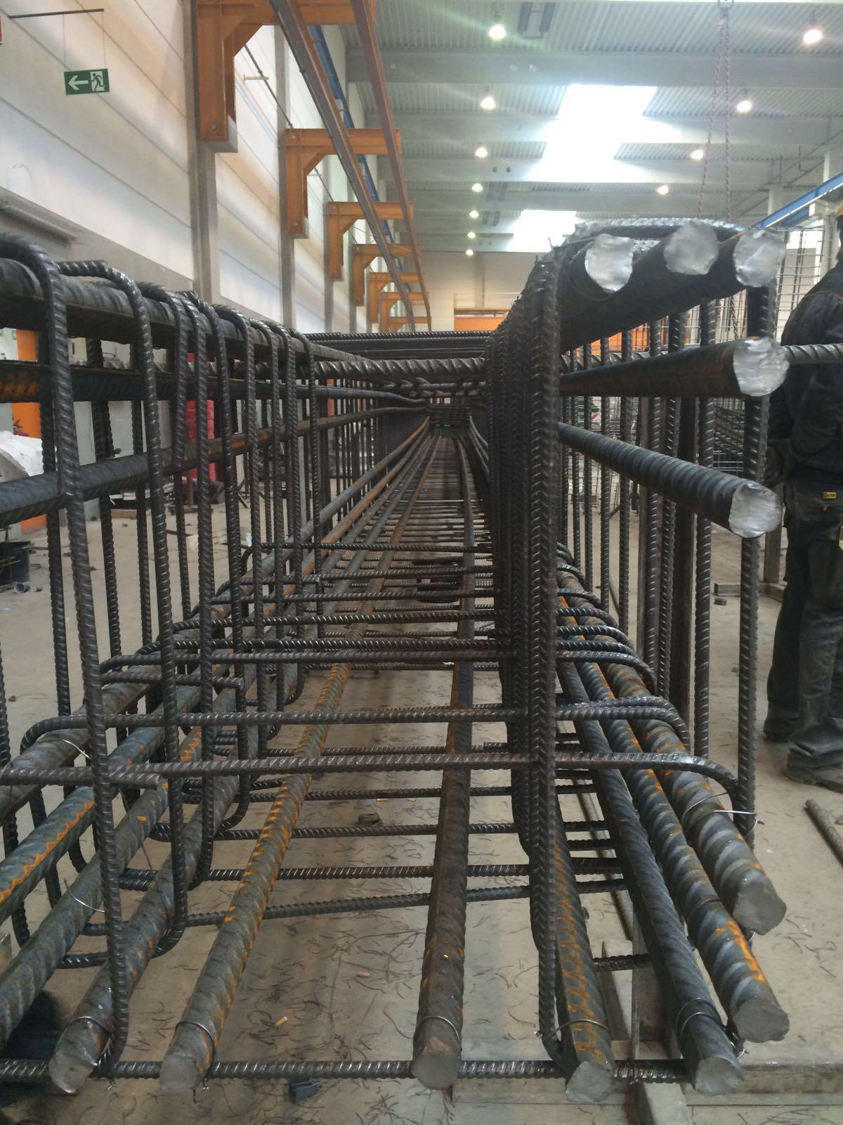 Baustahlarmierung, Eisenarmierung, Bewehrungsbau, Bewehrungen vom Fachmann, im Werk und auf Außenbaustellen
